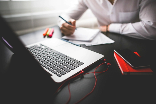Tips Mencari Lowongan Kerja BUMN Kalbar